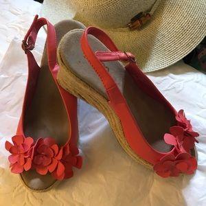 Cute Bongo wedge sandals